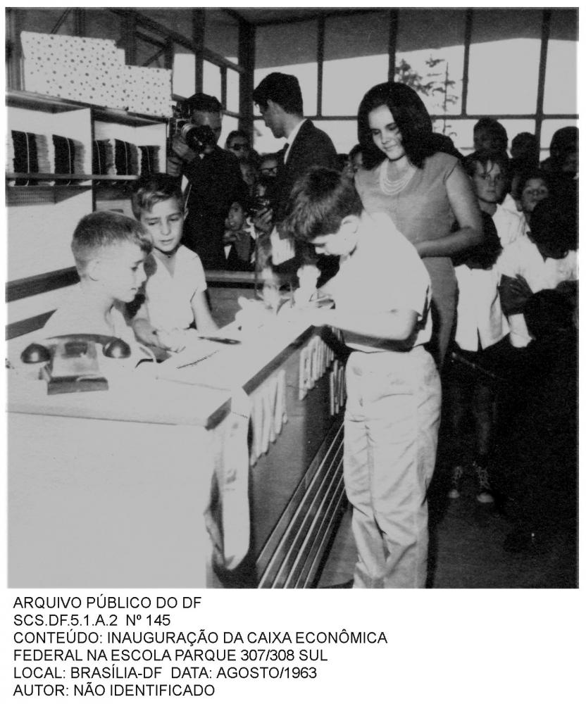 O Plano de Construções Escolares de Brasília previa atendimento escolar em diferentes níveis: elemen