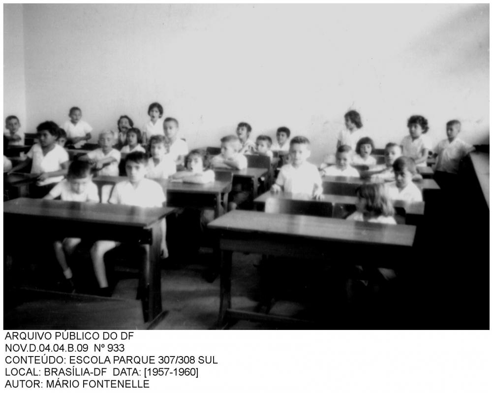O Plano Educacional de Brasília foi elaborado com os seguintes objetivos: a) Distribuir eqüitativa e