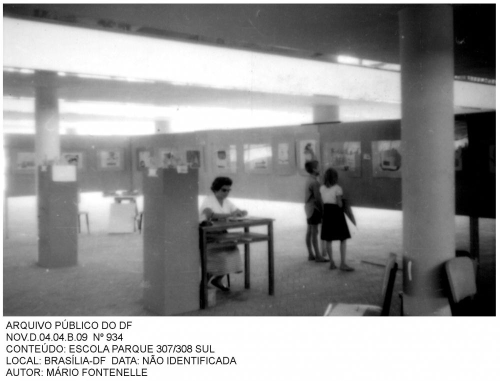 A escola era concebida como um centro de preparação para a vida moderna, oferecendo oportunidades à